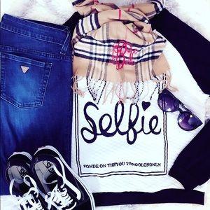 Tops - Selfie sweater